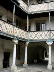 Besançon - Inner courtyard of the Champagney mansion: gallery