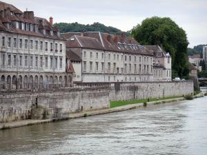 Besançon - Facades looking onto the River Doubs