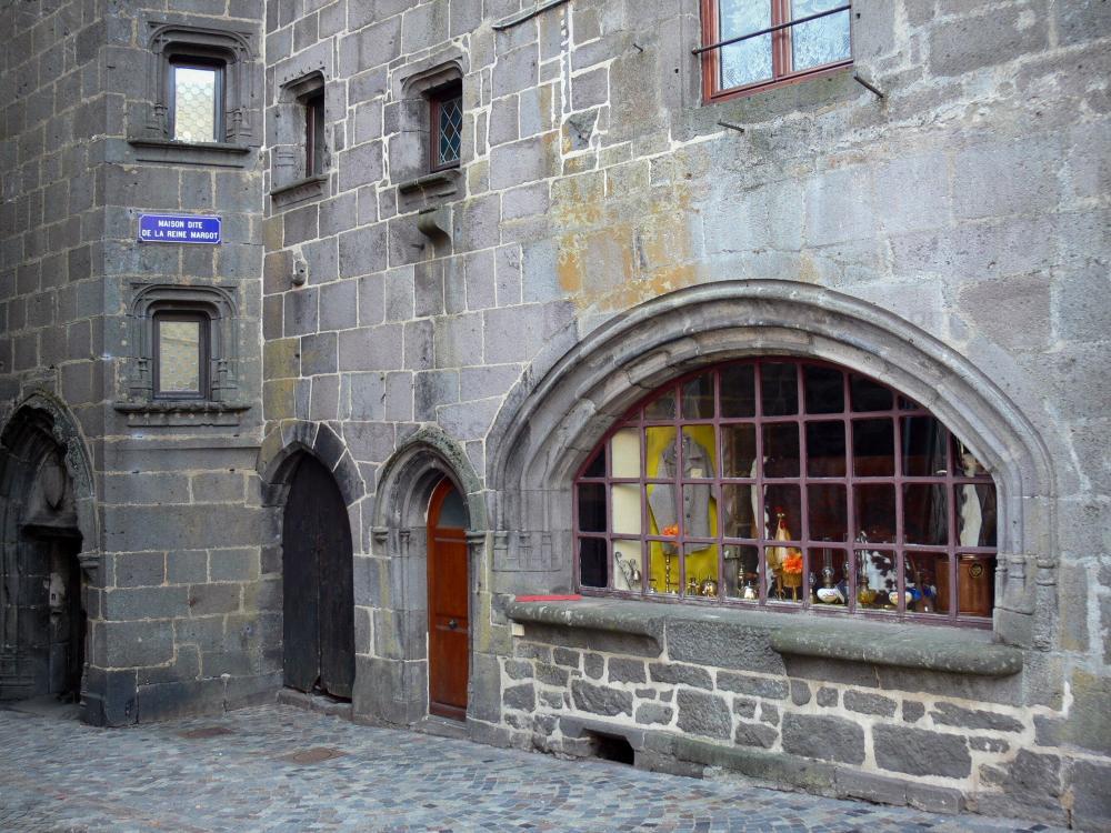 Photos besse et saint anastaise guide tourisme vacances - Office du tourisme besse en chandesse ...