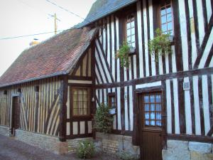Beuvron-en-Auge - Timber-framed houses in the Pays d'Auge area