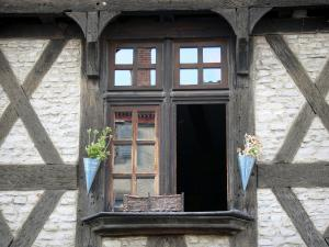 Billom - Medieval town (medieval quarter): window of a half-timbered house