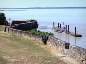Blaye citadel - View of the water spot and the Gironde estuary from the ramparts of the citadel