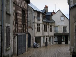 Blois - Street and timber-framed houses