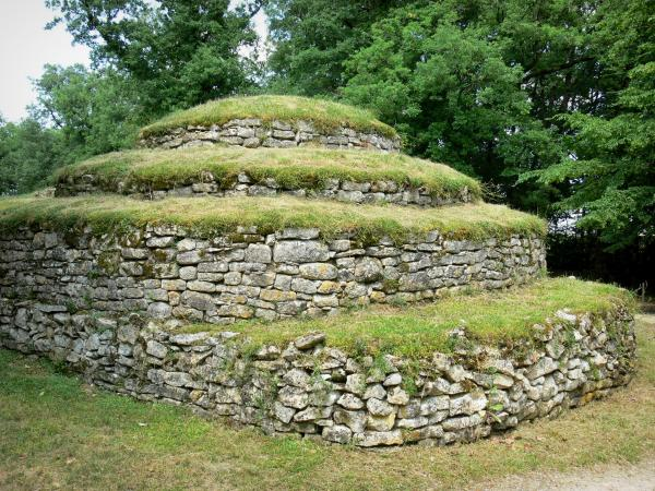 The Bougon Tumulus Museum - Tourism, holidays & weekends guide in the Deux-Sèvres