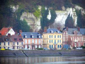 La Bouille - Houses of the village, cliffs and the River Seine