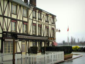 La Bouille - Timber-framed houses in the village