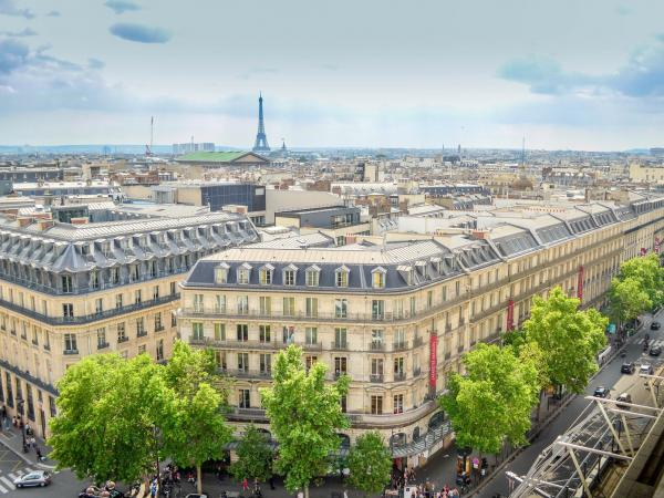 Boulevard Haussmann And Its Department Stores Tourism