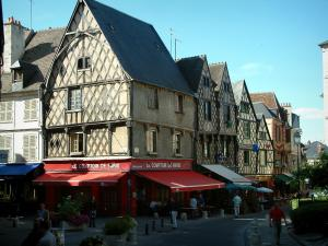 Bourges - Gordaine square and its timber-framed houses, cafe terraces