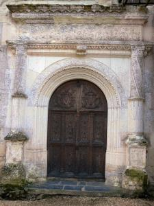 La Bourgonnière chapel - Portal of the Renaissance chapel in Bouzillé
