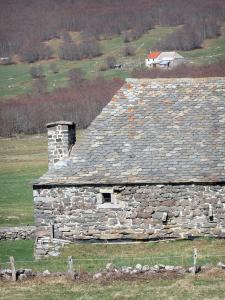 Bourlatier farm - Stone barn with a slate roof of the Bourlatier memorial farm
