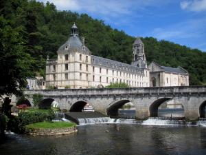 Brantôme - Coudé vridge spanning the River Dronne, Benedictine abbey and its abbey church, and forest, in Green Périgord