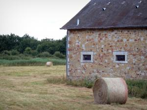 La Brenne Regional Nature Park - Stone house, hay bales and trees