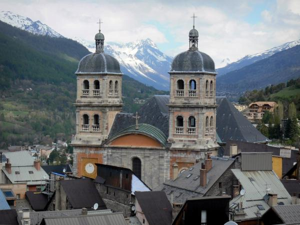 Briançon - Bell towers of the Notre-Dame collegiate church, roofs of the houses of the upper town (Vauban citadel, fortified town built by Vauban) and mountains
