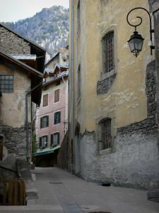 Briançon - Upper town (Vauban citadel, fortified town built by Vauban): alley lined with houses