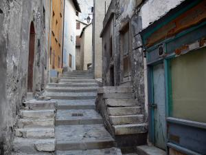 Briançon - Upper town (Vauban citadel, fortified town built by Vauban): stairway lined with houses