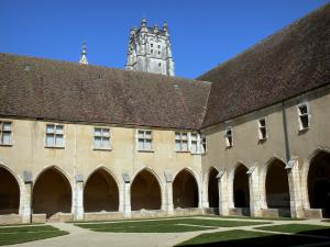Brou Royal Monastery - Great cloister and bell tower of the church