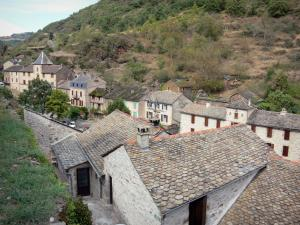 Brousse-le-Château - View over the rooftops of the village