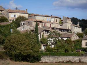 Bruniquel - View of the houses of the village