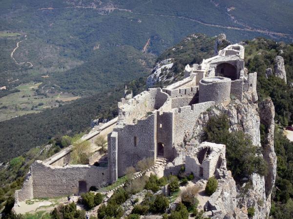 Burg peyrepertuse f hrer tourismus urlaub - Saint paul de fenouillet office de tourisme ...