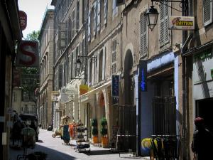 Cahors - Houses and shops in the old town, in the Quercy
