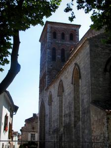 Cahors - Saint-Barthélemy church and houses of the old town, in the Quercy