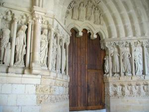 Candes-Saint-Martin - Sculptures of the Saint-Martin collegiate church