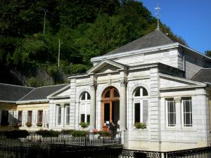 Capvern-les-Bains - Spa town: front of the thermal baths (Thermes)