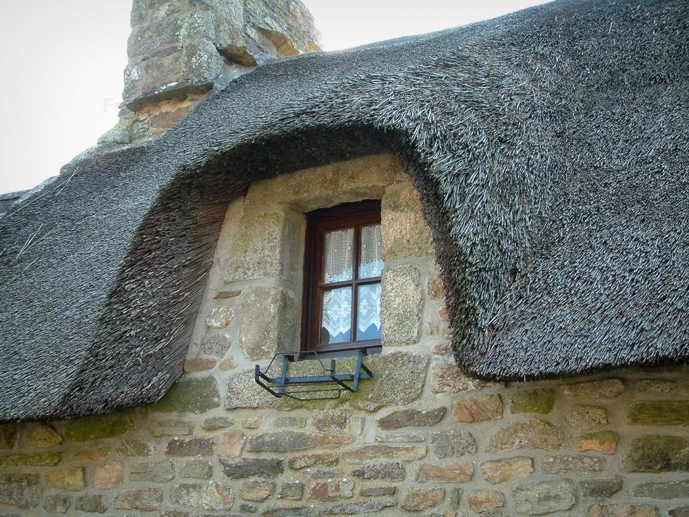 Fotos casas con tejado de paja 10 im genes de calidad - Tipos de tejados para casas ...