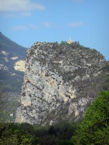 Castellane - Rock with its Notre-Dame du Roc chapel; in the Verdon Regional Nature Park