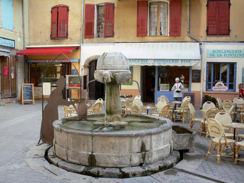 photos castellane guide tourisme vacances. Black Bedroom Furniture Sets. Home Design Ideas