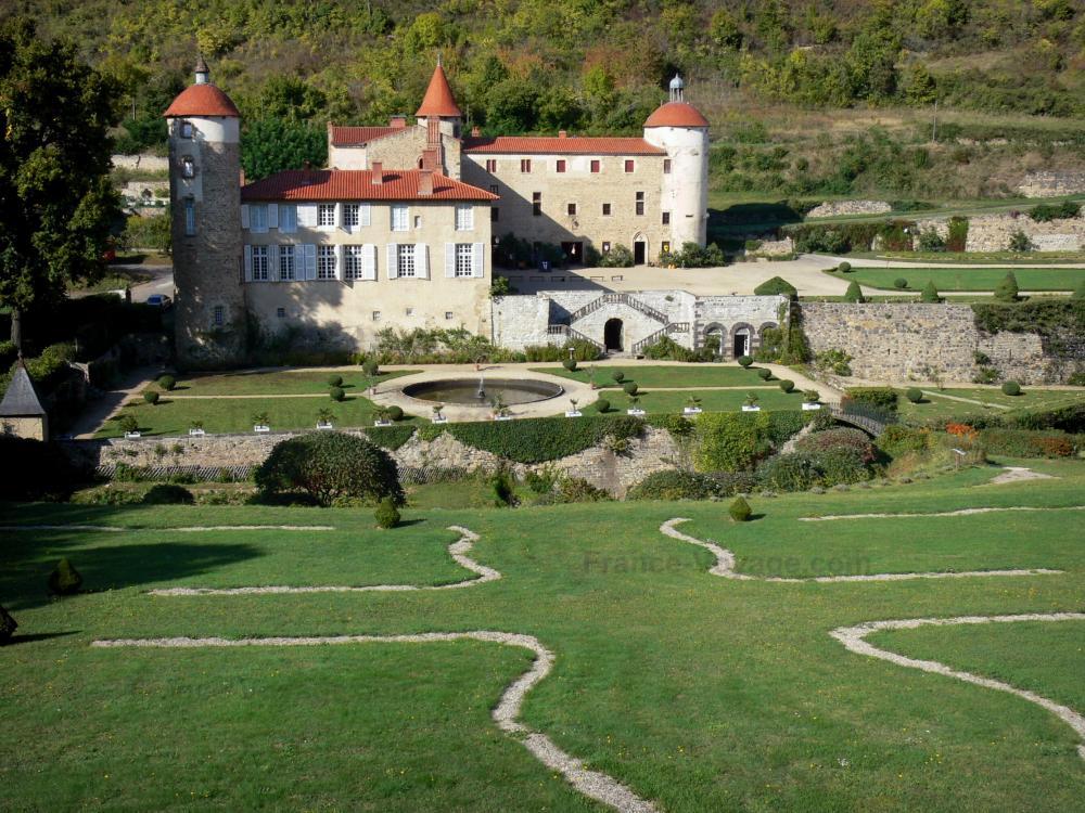 Foto il castello di la batisse guida turismo e vacanze for Giardini francesi