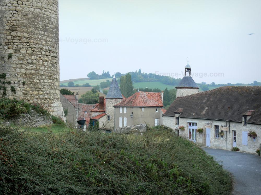 Foto il castello di billy guida turismo e vacanze for Piani di casa castello medievale