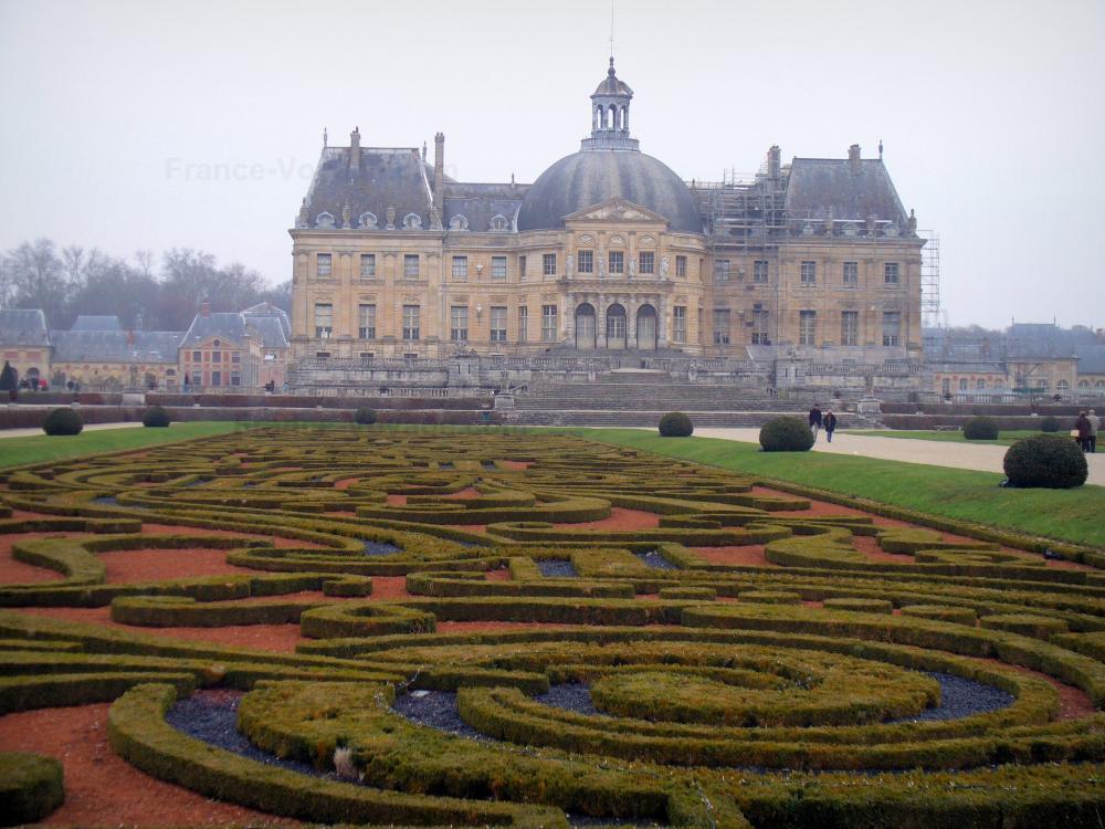 Foto il castello di vaux le vicomte guida turismo e for Giardini francesi