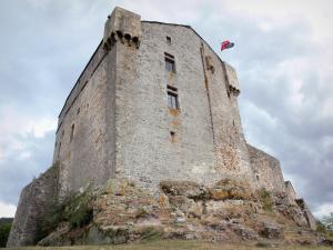 El castillo de Montaigut - Guía turismo y vacaciones