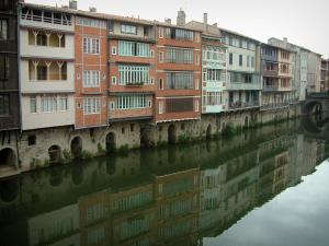 Castres - Old houses reflected in the River Agout water