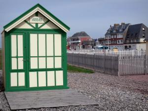 Cayeux-sur-Mer - Beach hut, pebbles and houses of the seaside resort
