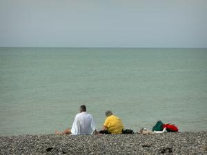 Cayeux-sur-Mer - People on the pebble beach with view of the sea