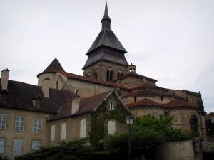 Chambon-sur-Voueize - Bell tower and chevet of the Sainte-Valérie abbey church of Romanesque Limousin style