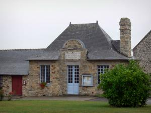 Champeaux - Town hall of the village