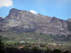 Champsaur valley - Chalets, prairies, trees and rock faces