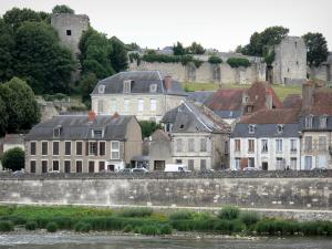 La Charité-sur-Loire - Walls and facades of the historic town on the banks of River Loire