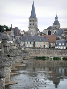 La Charité-sur-Loire - Bridge spanning River Loire, Sainte-Croix bell tower, octagonal tower of the Notre-Dame priory church and facades of the historic town