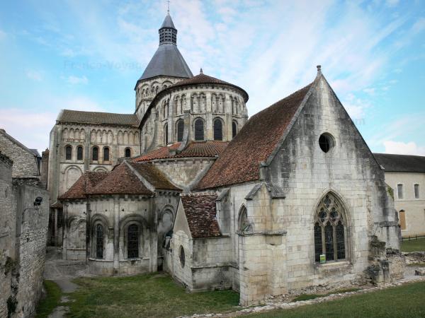 La Charité-sur-Loire - Tourism & Holiday Guide