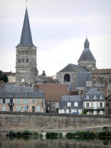La Charité-sur-Loire - Loire River, Sainte-Croix bell tower, octagonal tower of the Notre-Dame priory church and facades of the historic town