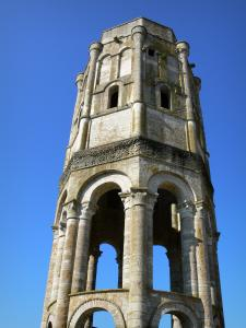 Charroux - Octagonal tower said Charlemagne tower, remains of the Saint-Sauveur abbey