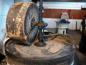Charroux - Inside the mustard workshop: wheel