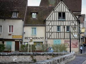 Chartres - Houses of the Tannerie street along the River Eure