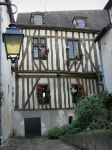 Chartres - Timber-framed house and flower-bedecked, lamppost