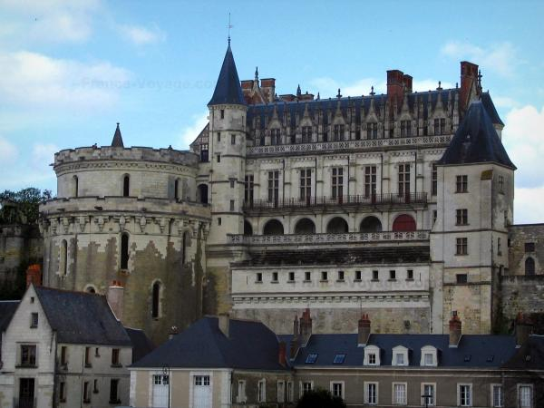 Château d'Amboise - Royal castle and Minimes tower
