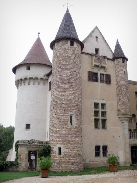 Château d'Aulteribe - Towers and façade of the medieval castle; in Sermentizon in the Livradois-Forez Regional Nature Park